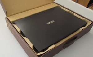 Ноутбук в коробке